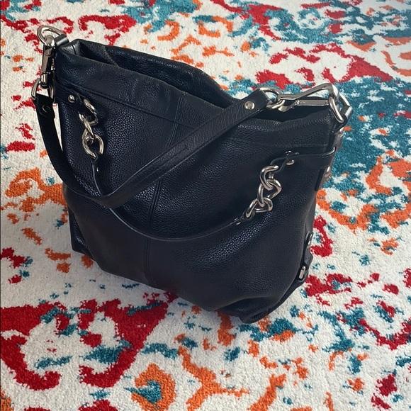 Coach Handbags - Coach Hobo Shoulder Bag 💼